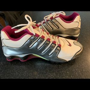 Nike Shox 11m almost new.